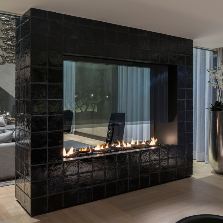 fireplace with mantle 911