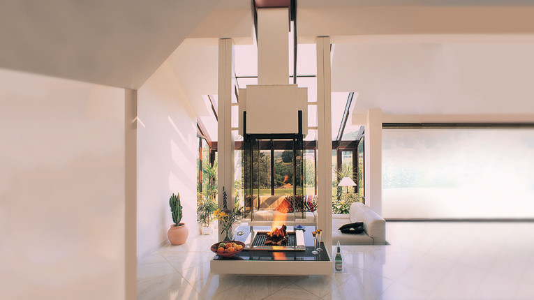 glass-fireplace-feature