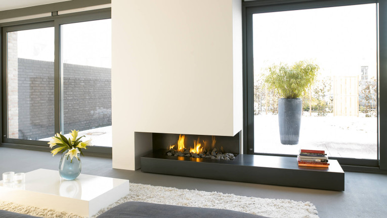 10 best luxury fireplaces for your space for Luxury fireplace designs