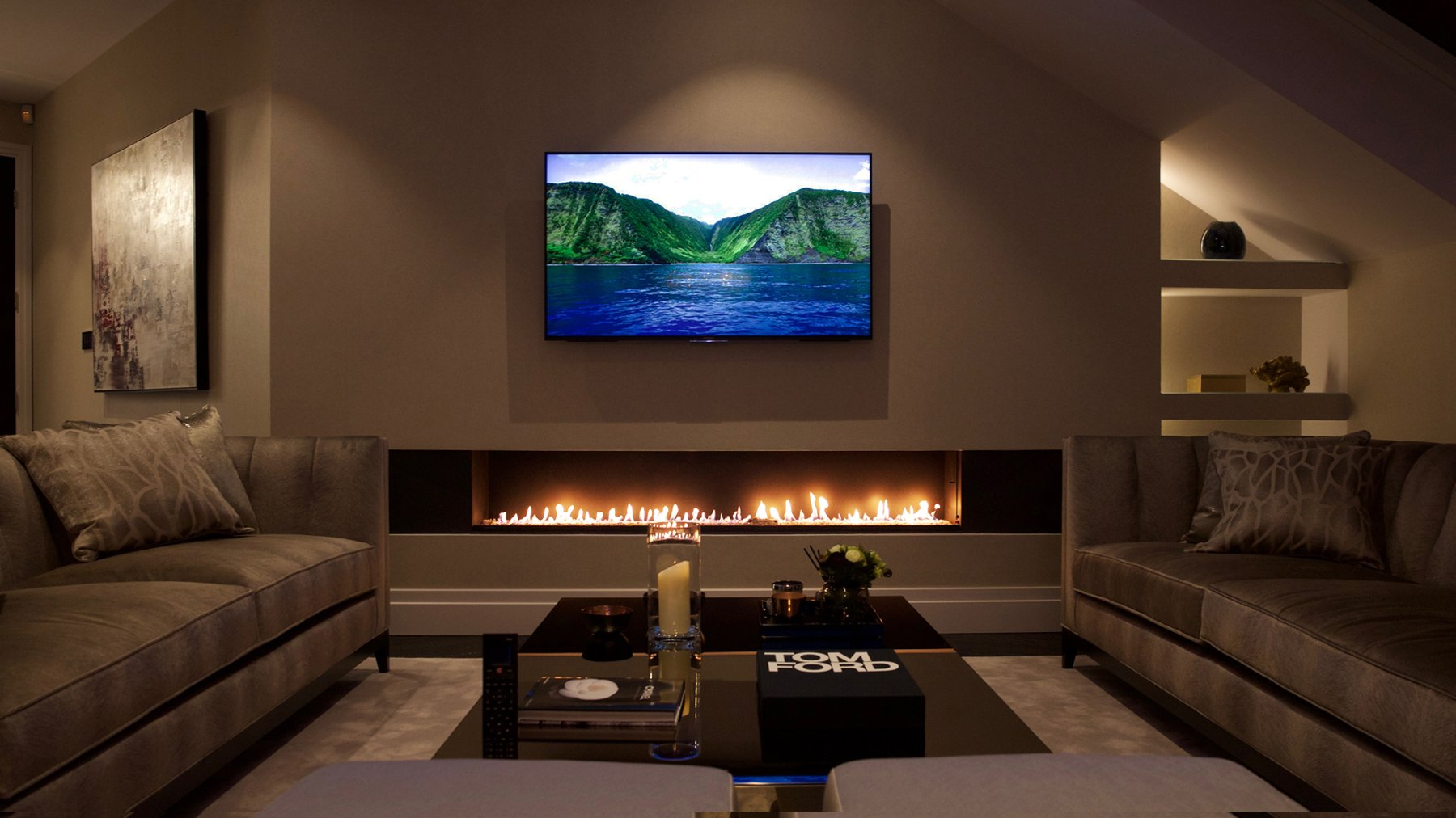Linear Gas Fire; Contemporary Fireplace ...