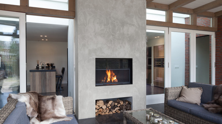 Minimalist-piece-of-fireplace